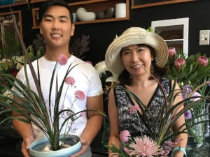Flower Arranging Gift Experience For Mum