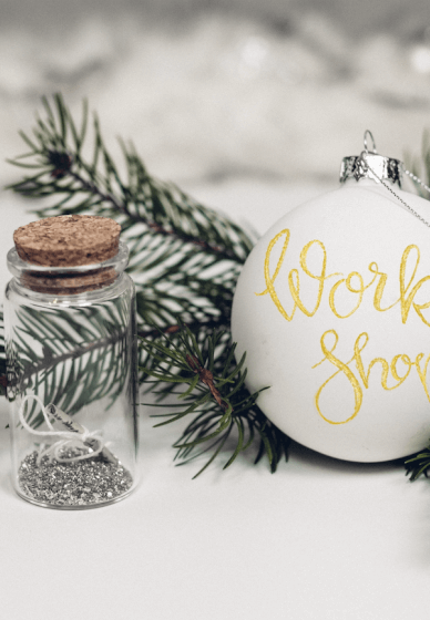 Christmas Calligraphy Class: Hand-lettered Baubles