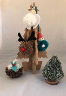 DIY Xmas Tree Pom Poms - the Hills