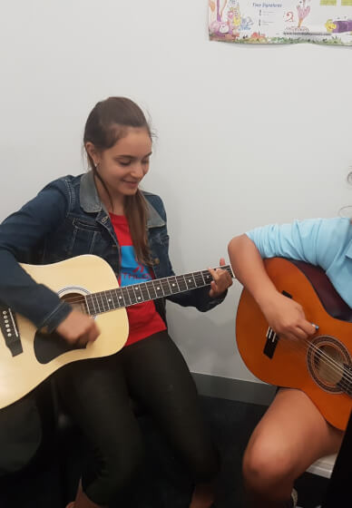 Kids Guitar Course (7-12 Years)